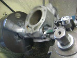 cylindre 350 RDLC usé aux valves en plein tournage